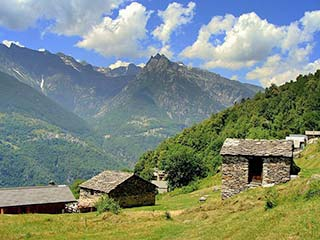 Gebirgige Landschaft in Chiavenna